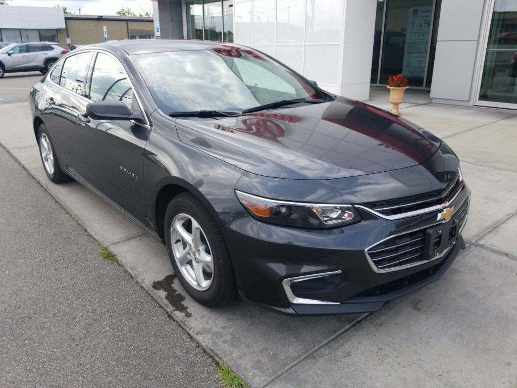 Pre Owned 2017 Chevrolet Malibu Ls Fwd 4d Sedan