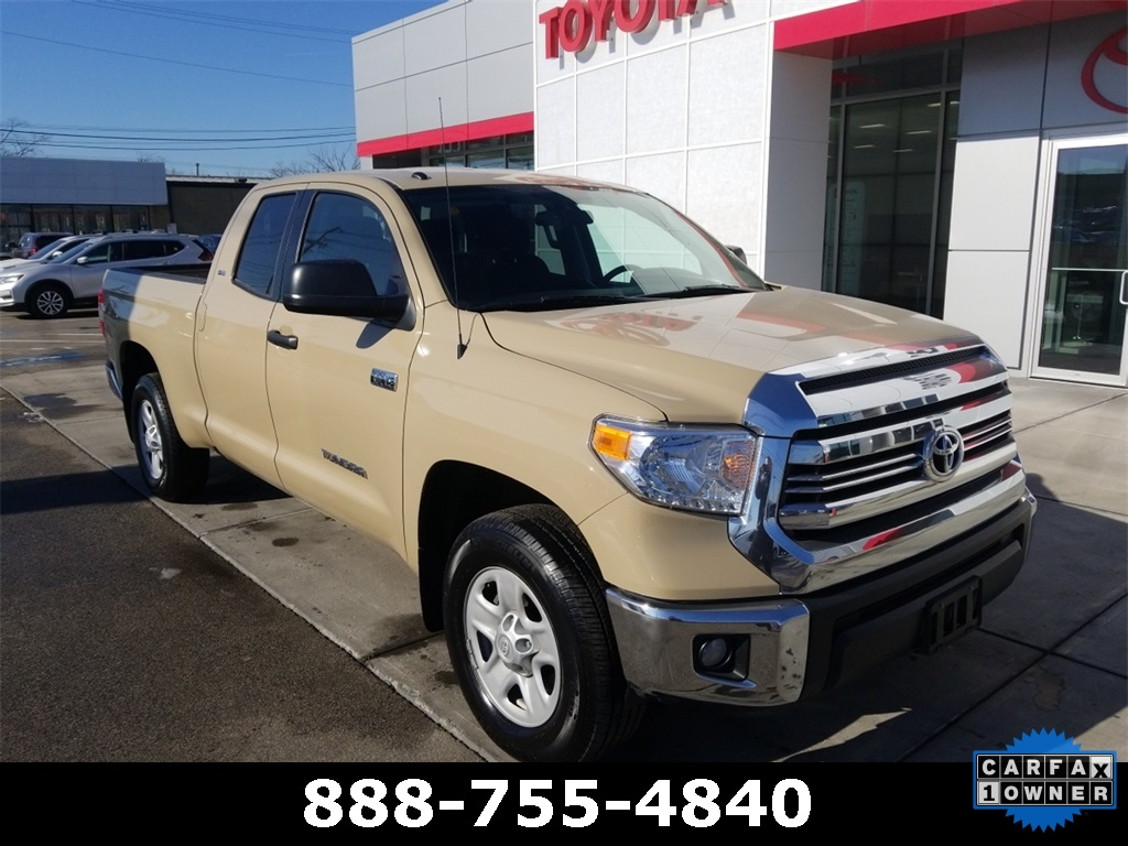 pre-owned 2017 toyota tundra sr5 4d double cab in westborough